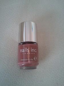 Glossy Nail Box by Be