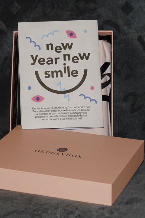 Glossy Box janvier 2015 - New Year, New Smile
